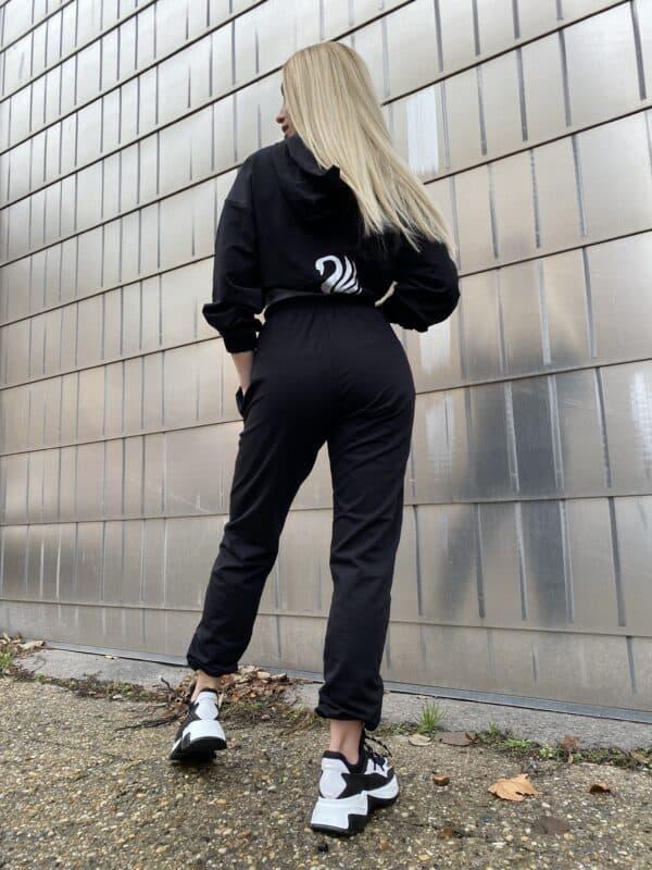 Black Swan Sportswear